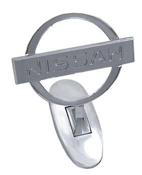 Прицел эмблема на капот Nissan хром