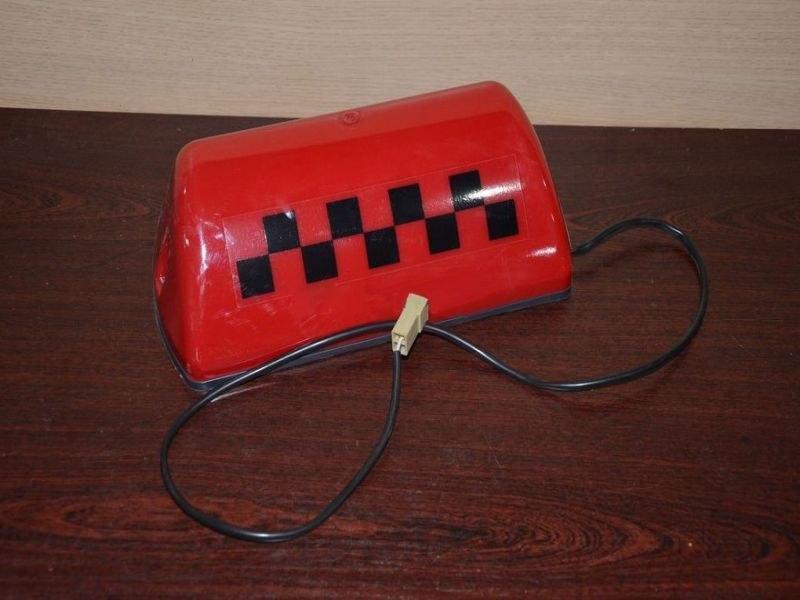 Фишка такси на магните красный с подсветкой