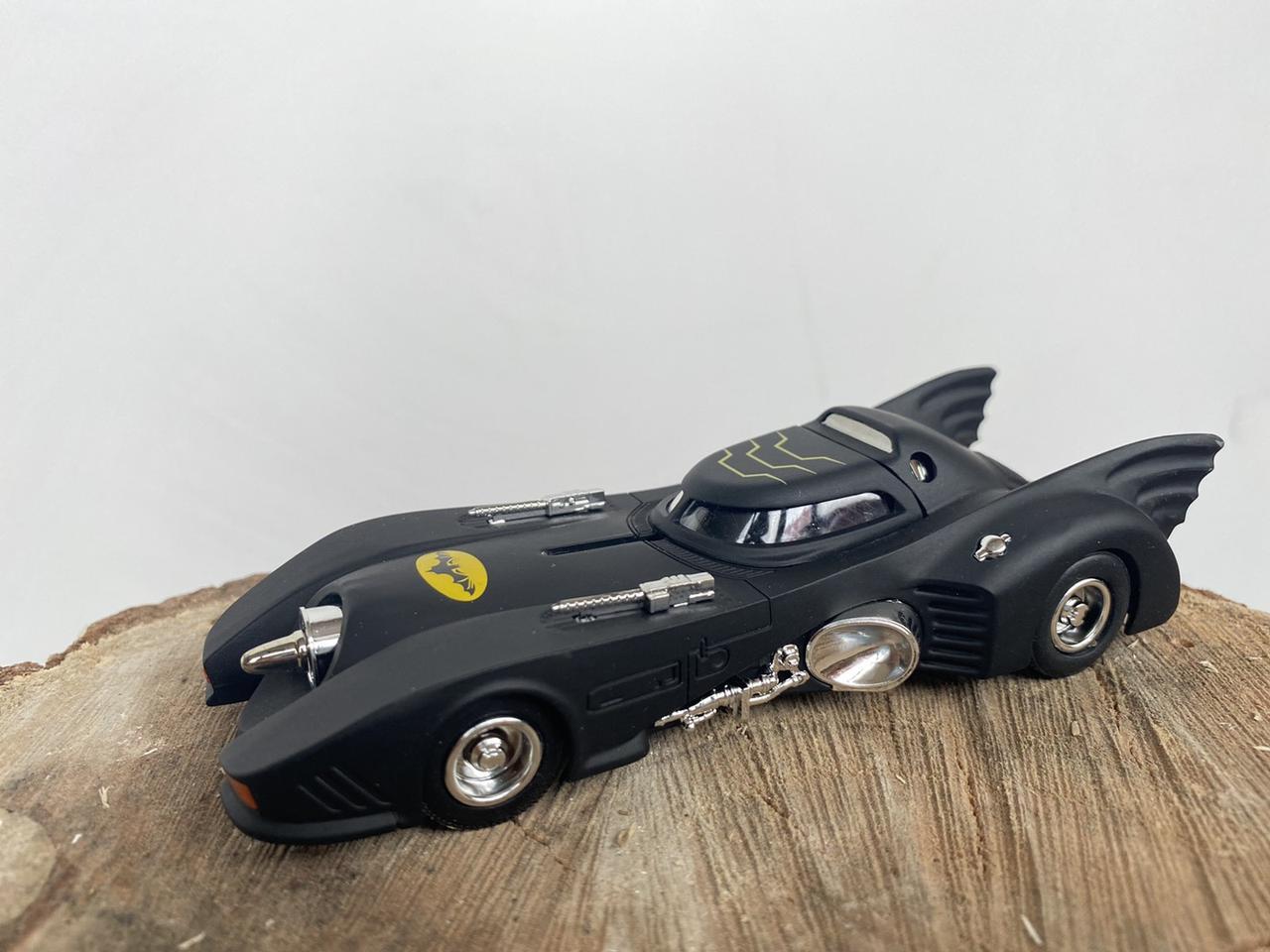 Машинка Бэтмобиль, чёрная классическая модель летучей мыши