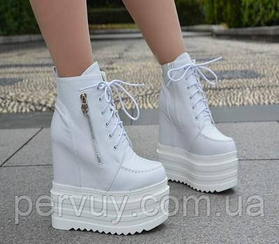 Ботинки белый на платформе