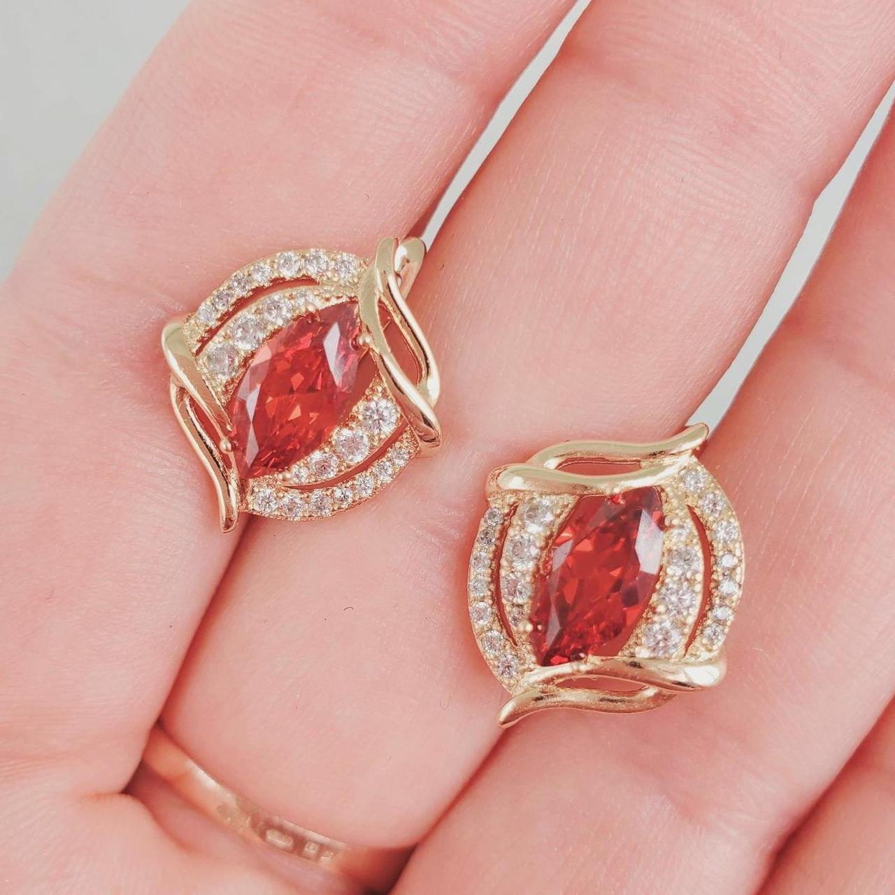 Сережки медзолото Xuping довжина 1.8 см позолота 18к червоний і білий цирконій с975