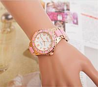 Женские часы со стразами, золотого цвета!