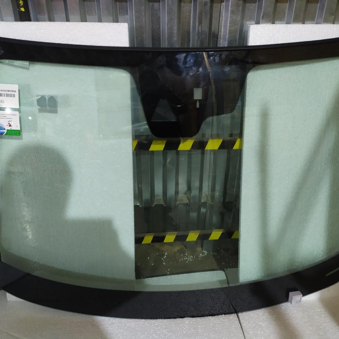 Лобовое стекло с датчиком и камерой для Mazda (Мазда) 3 (16-19)