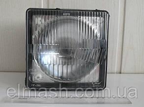 Фара МТЗ передняя квадратная с лампочкой в пластмасовом корпусе Н4 (пр-во Украина)