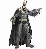 Коллекционная Фигурка Бэтмен: Тёмный Рыцарь с аксессуарами, Аркхэм Сити, 17 см - Batman, Arkham City, DC