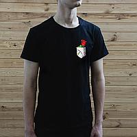 Мужская черная футболка, карман с розой