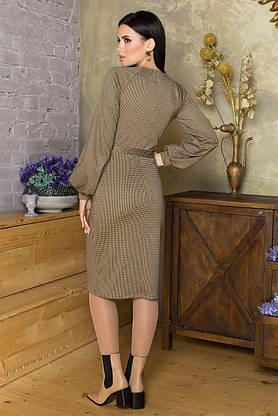 Строгое трикотажное платье в клетку с поясом офисно-деловое, фото 2