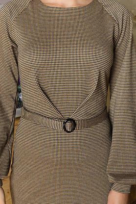 Строгое трикотажное платье в клетку с поясом офисно-деловое, фото 3