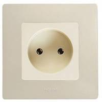 Розетка электрическая без заземления Легранд – «Этика», цвет слоновая кость