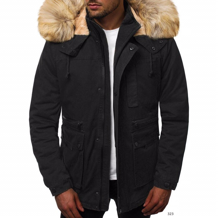 Мужская зимняя куртка черного цвета с меховым капюшоном. Мужская теплая парка с капюшоном с меховой отделкой.