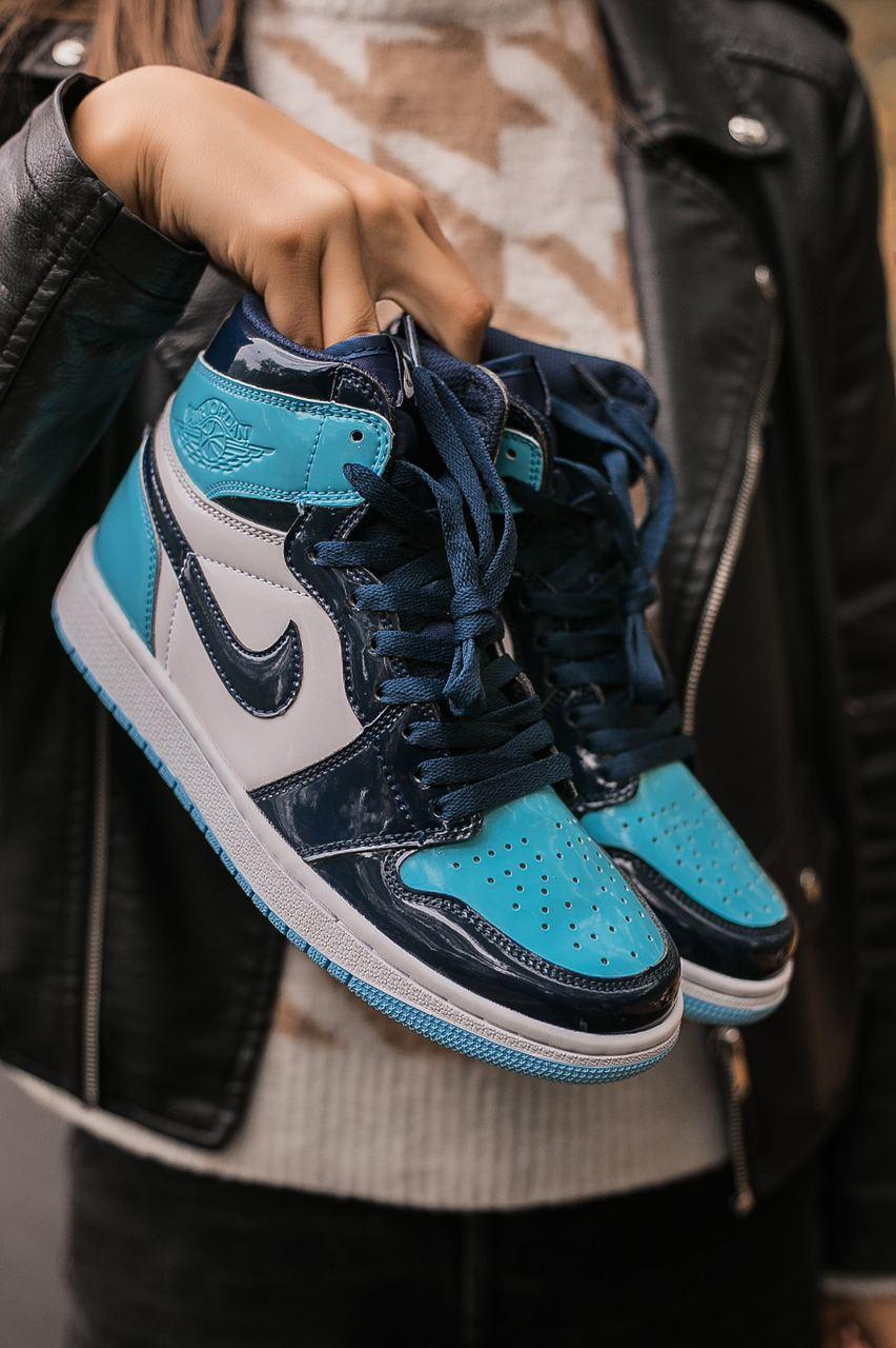 Женские кроссовки Air Jordan 1 Retro High Patent Blue