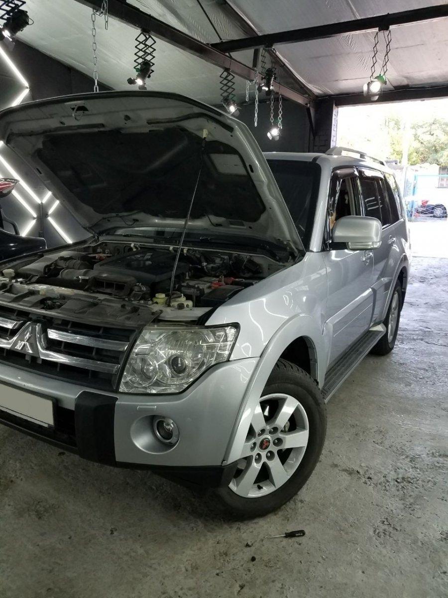Установка ксенона Mitsubishi Pajero 2010 г.в.