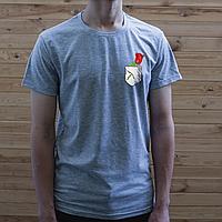 Мужская серая футболка, карман с розой