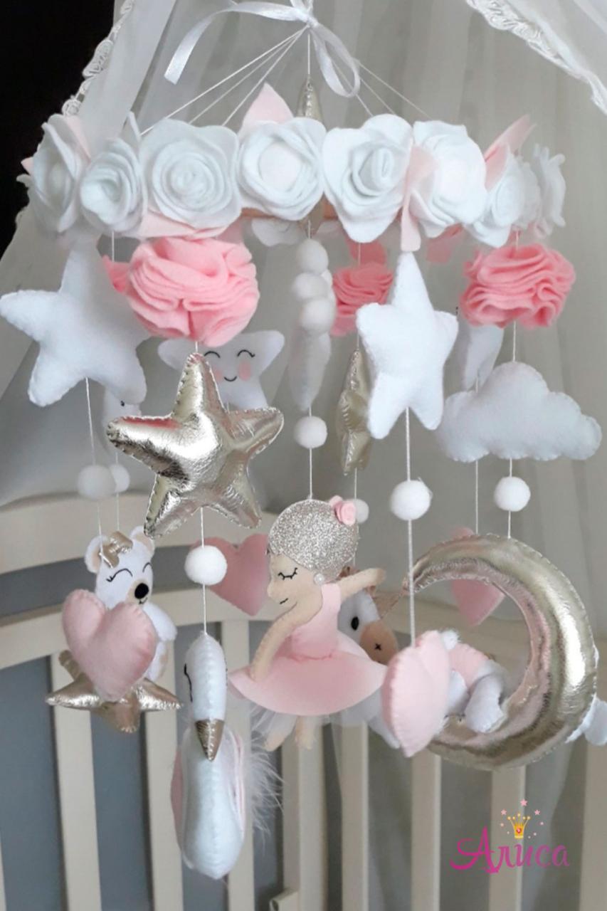 Мобиль из фетра на кроватку «Балерина»