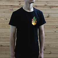 Мужская черная футболка, карман с кактусами