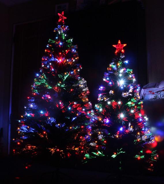 Новогодние елки, светодиодные светящиеся елки