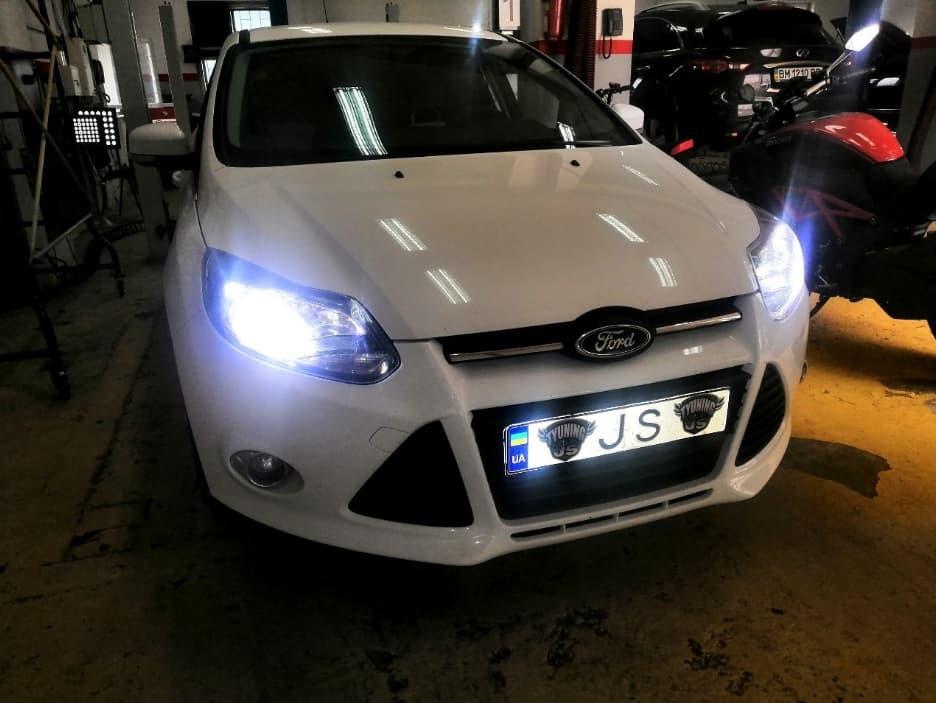 Установка світлодіодних ламп Ford Focus
