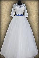 Свадебное платье с кружевной маечкой и рукавом