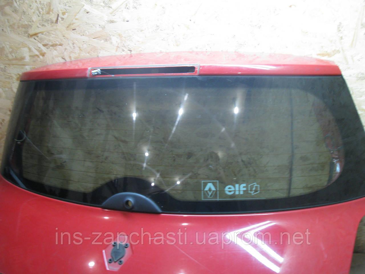 Стекло крышки багажника и комплектующие  Renault Megane II  хэтчбек