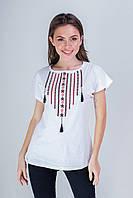 Классическая белая женская футболка с украинским орнаментом «Ожерелье»