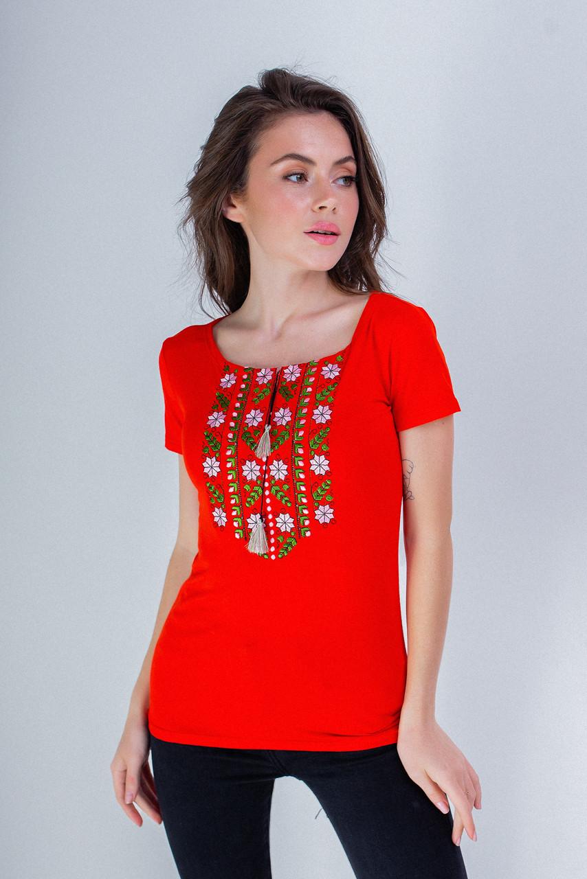 Яркая женская вышитая футболка с широкой горловиной в красном «Экспрессия»
