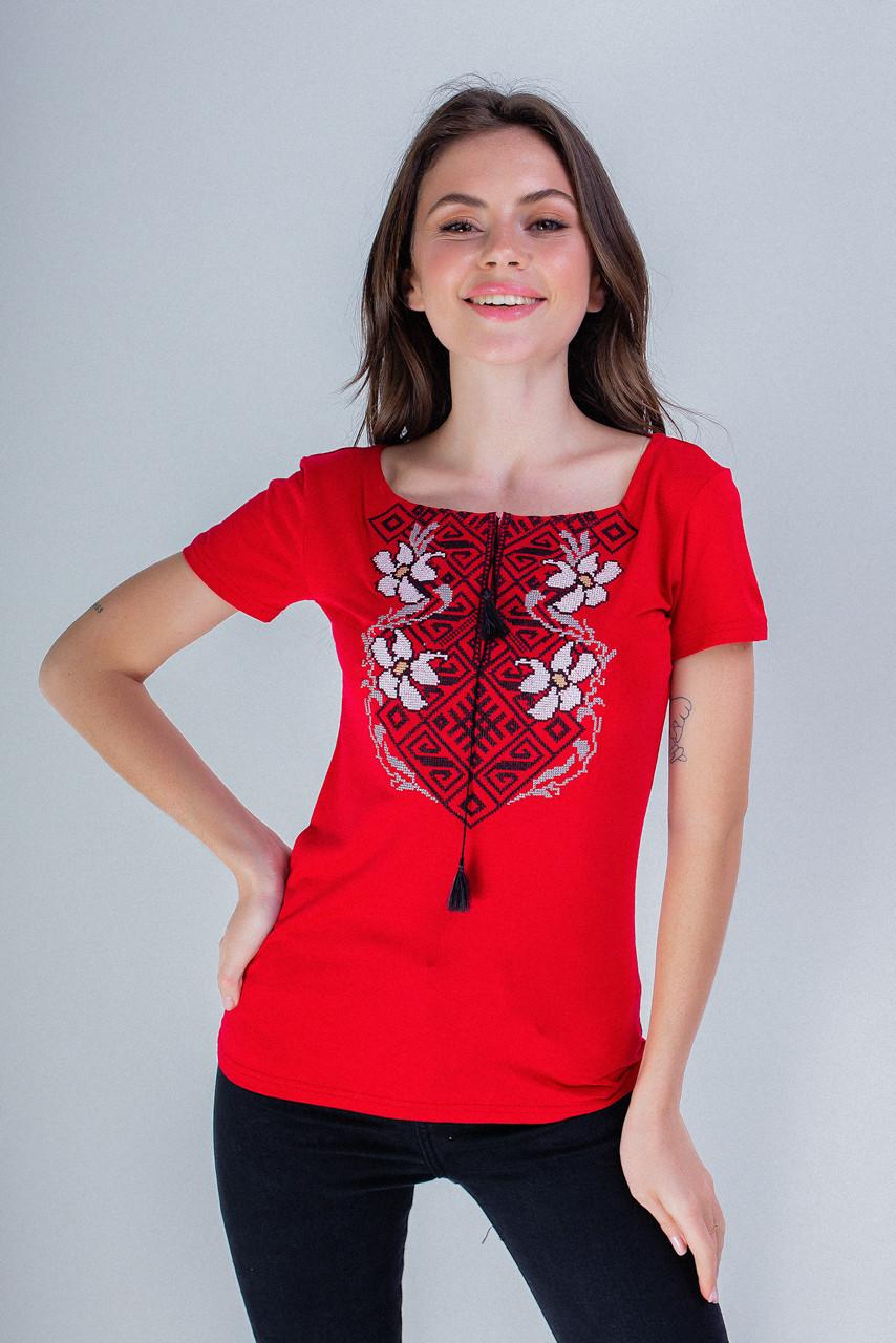 Женская вышитая футболка в молодежном стиле «Лилея с красным»