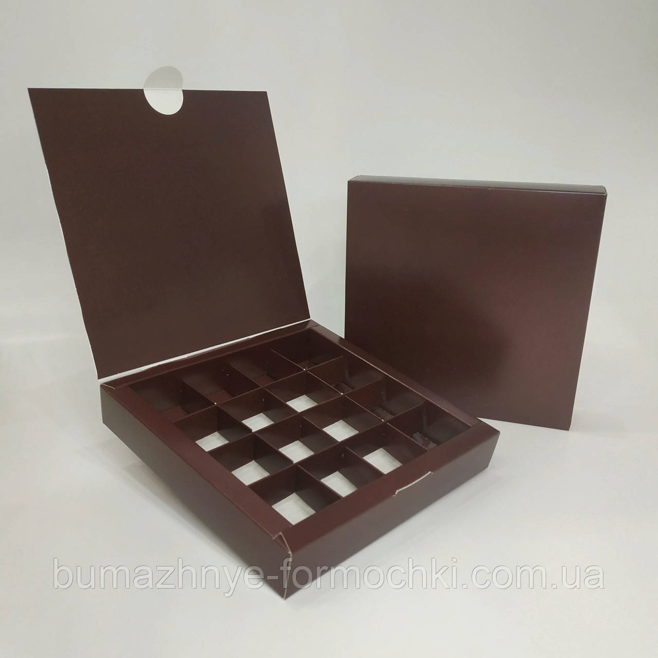 Коробка на 16 конфет, коричневого цвета. 185х185х30