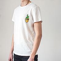 Мужская белая футболка, карман с кактусами