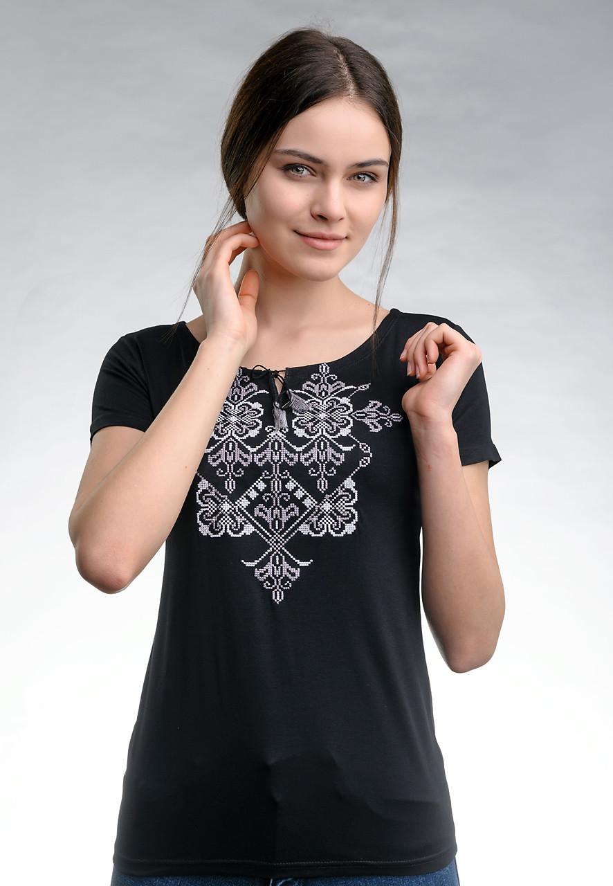 Повседневная женская вышитая футболка в черном цвете «Элегия (серая вышивка)»