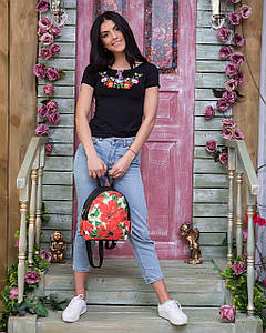 Молодежная женская вышитая футболка черного цвета с вышивкой цветами «Мальвы» S