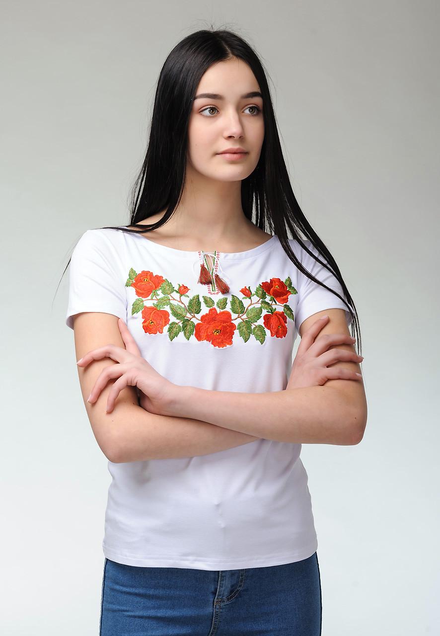 Білосніжна жіноча футболка із вишивкою квітами на короткий рукав під брюки «Ніжність троянд»