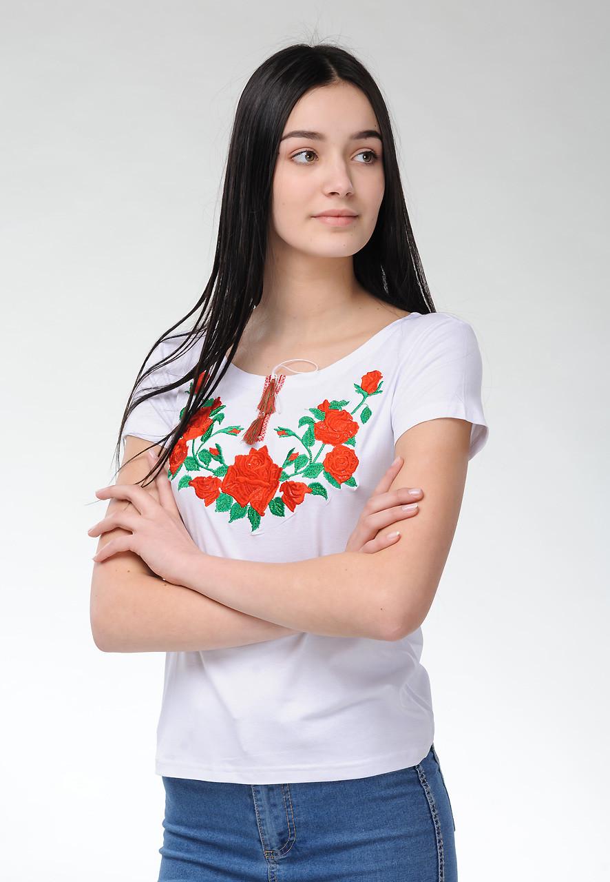 Жіноча вишита футболка в українському стилі «Троянди на білому»