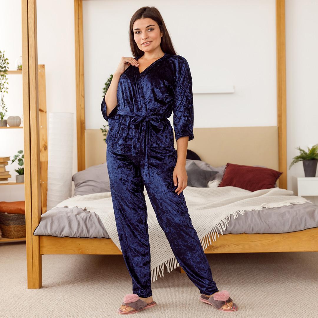 Комплект женский из мраморного велюра плюс сайз. Комплект халат и штаны темно-синего цвета