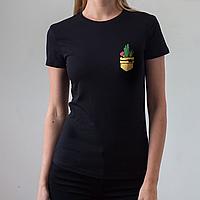 Женская черная футболка, карман с кактусом