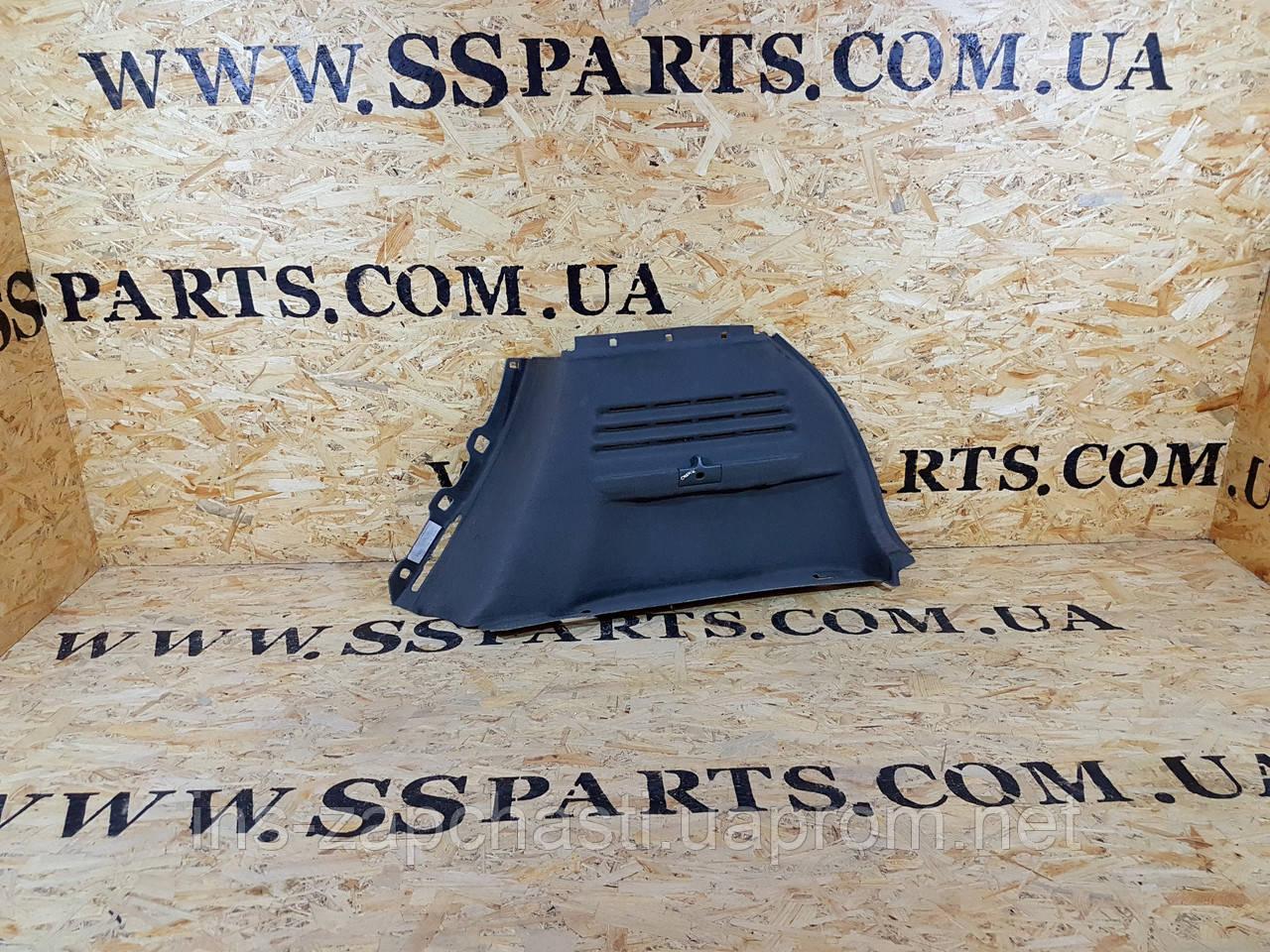 Обшивка багажника права для Renault Scenic 2003-2009