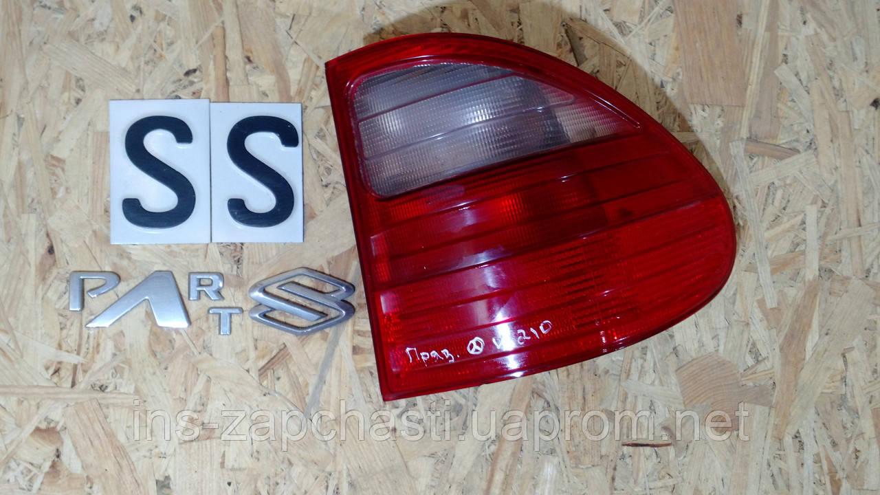 Задній правий ліхтар MERCEDES-BENZ W210 E-Class 2108202264
