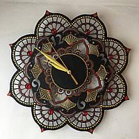 Шикарные часы с росписью и камнями