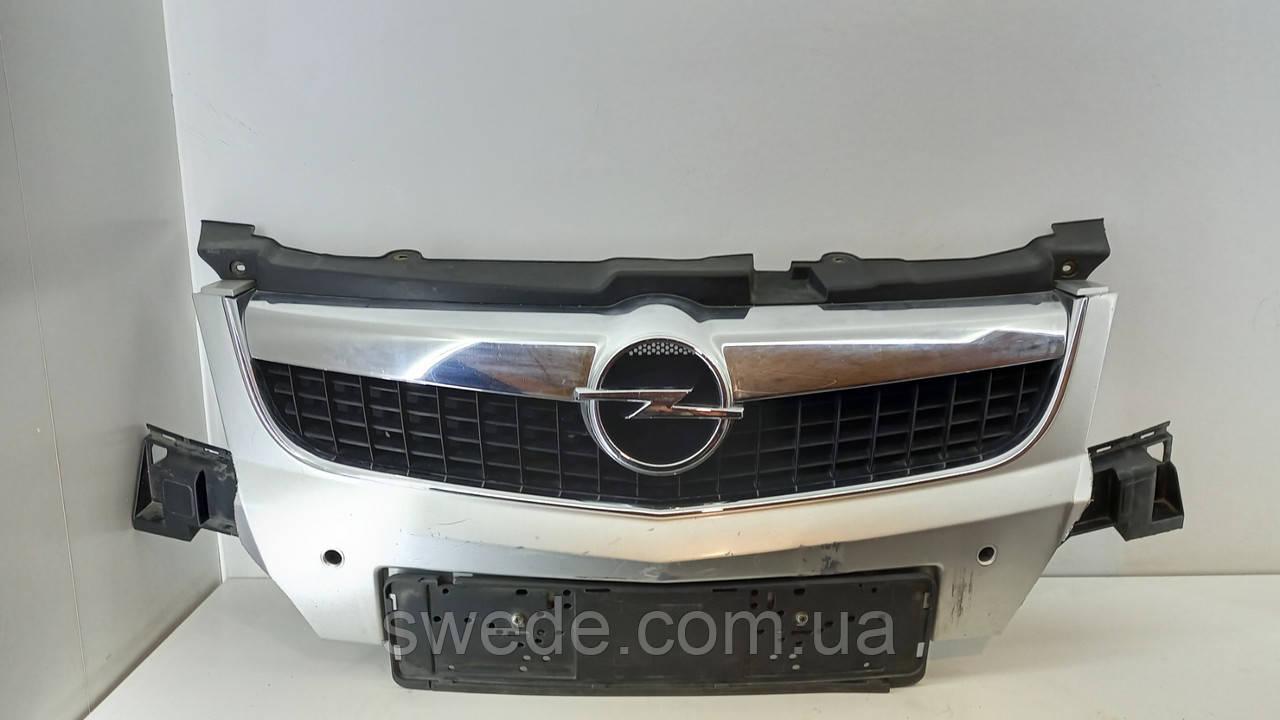 Решетка Opel Vectra C 2005-2008 гг 13260028