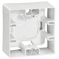 Коробка для накладного монтажа 1-постовая Легранд – «Этика» цвет «белый»