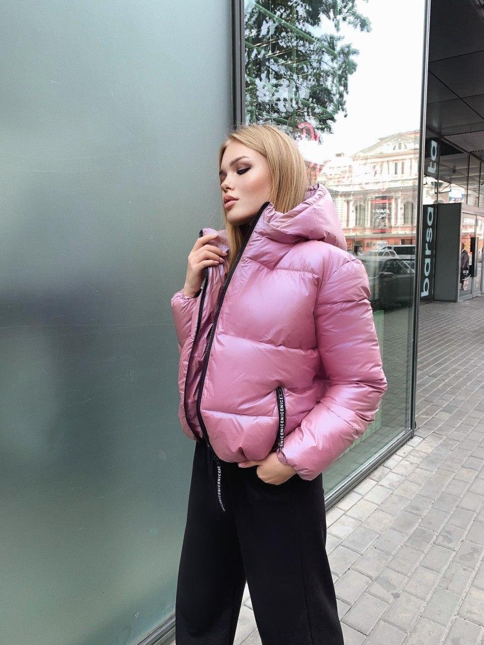 Женская короткая зимняя куртка с переливом и съемным капюшоном (р. 42-48) 8401485