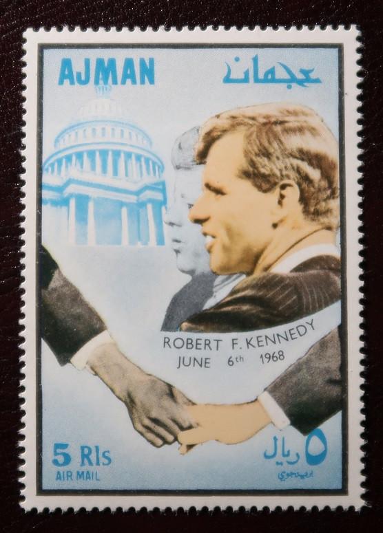 Почтовая марка г. Аджман - Кеннеди.