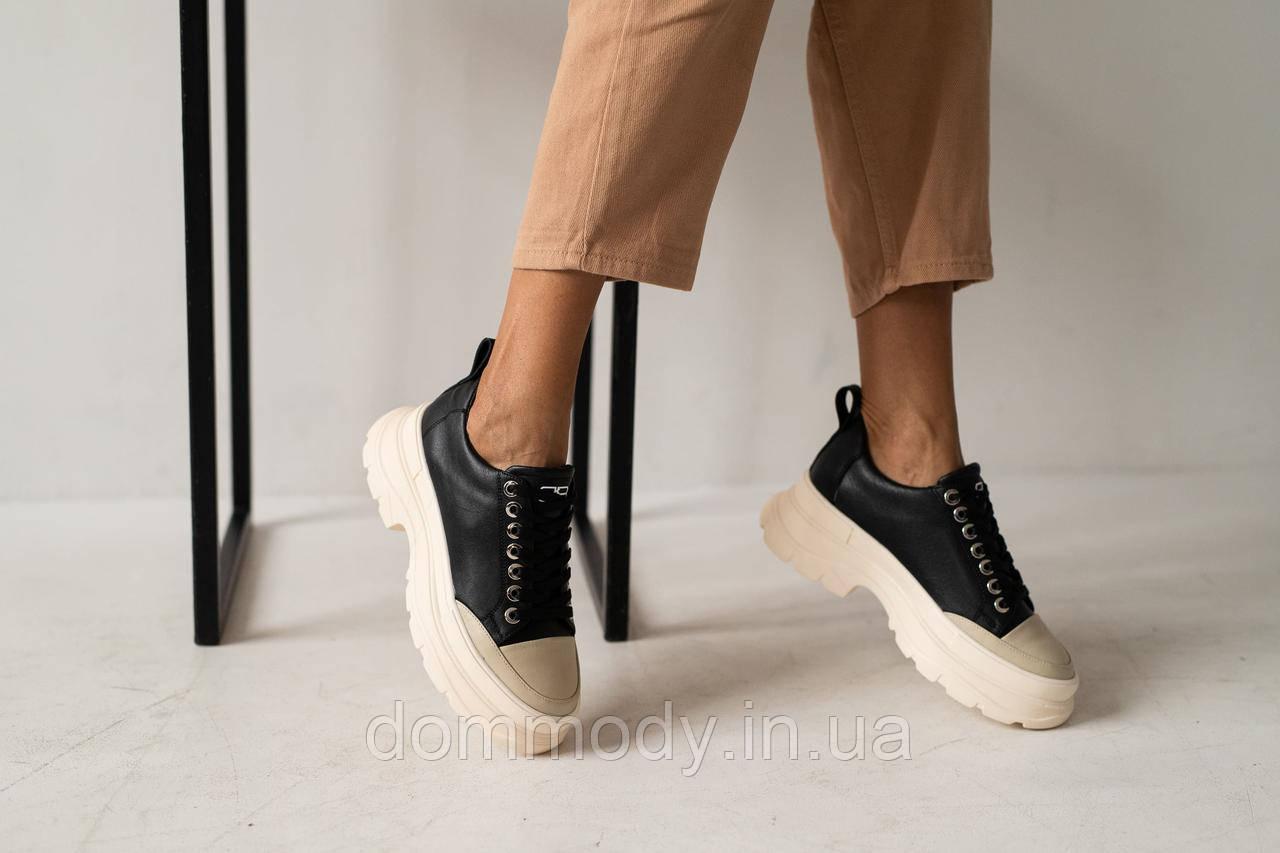 Кроссовки женские из кожи черного цвета Best