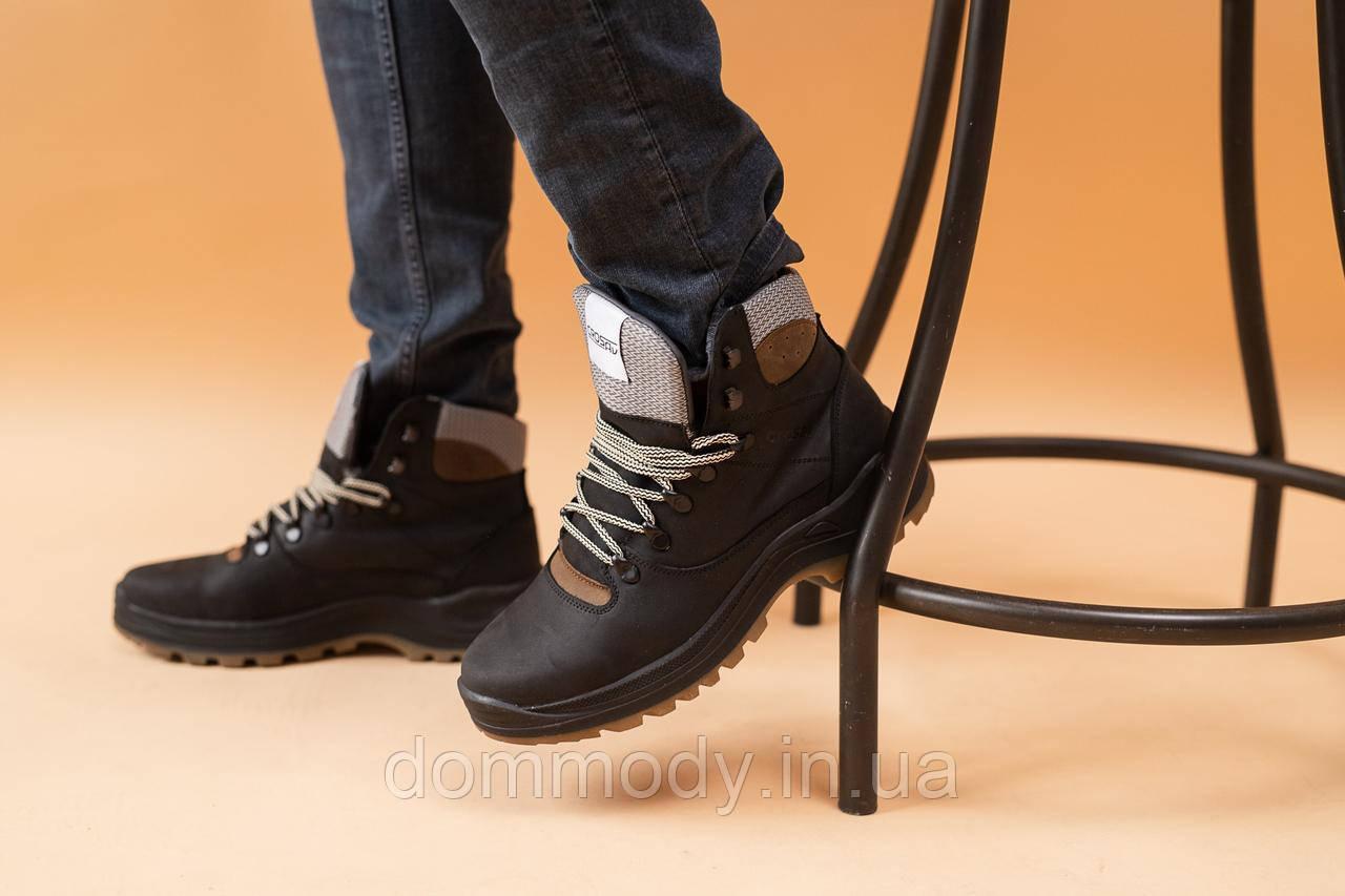 Ботинки мужские черного цвета зимние
