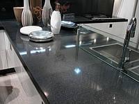 Кухонная каменная столешница (цвет уточнять)