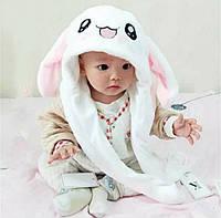 Детская шапка уши зайца. Уши вверх, лапки свет