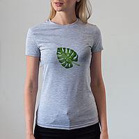 Женская серая футболка с листом