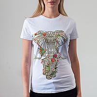 Женская белая футболка с слоном