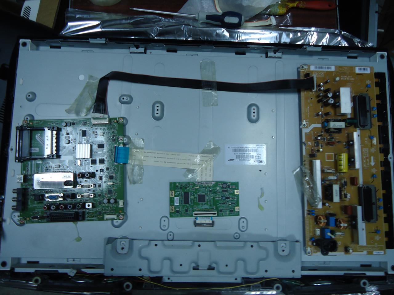 "Жк телевизор 32"" Samsung LE32B450C4W на запчасти (320AP03C2LV0.2)"