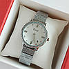 Женские наручные часы серебристого цвета на браслете, белый циферблат, дата - код 1744