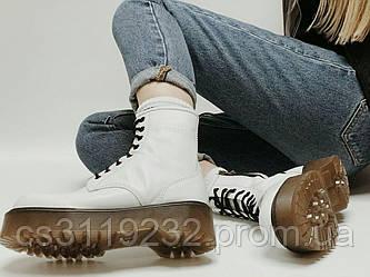 Женские ботинки Dr.Martens JADON демисезонные (белый)